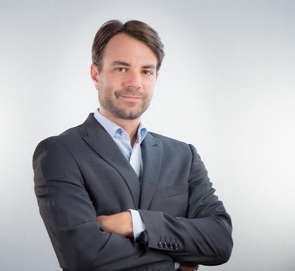 Gregory Peila - Director Financiero