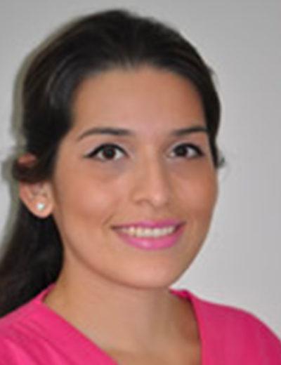 Maria-Pinto é assistente dentária