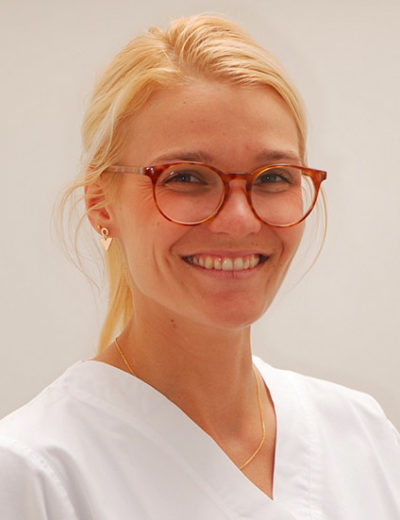 camille-francois est médecin dentiste